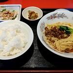楓林 - 料理写真:ランチの汁なし担々麺定食 税込830円