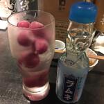 サケホール 益や - * 日本酒メロンクリームソーダ 680円