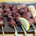 炭火道 炎舞 - 「匠の大山鶏」串焼き