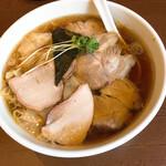 135237647 - チャーシューワンタン麺