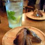 小さなワイン食堂 タブリエ - 【2012-6】バカルディモヒート&鮪のコンフィ(お通し)