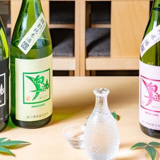広島が誇る地酒、自家製の塩漬けレモンサワーなどをラインアップ