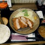 串焼黒松屋 - プラチナポークひれかつ定食