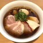 らぁ麺 すぎ本 - 「醤油特製らぁ麺」1200円