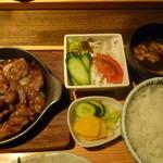 仙之助 - 私の選んだメイン・知多牛炙り焼・サラダ・ご飯・赤出汁