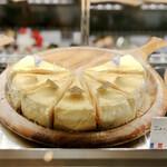 カフェ ジャルディーノ ピッツェリア - ニューヨークチーズケーキ