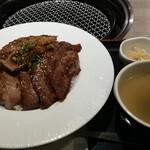 135262495 - カルビー丼、肉増し
