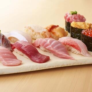 スーパー回転寿司やまと - 料理写真:板さんおまかせ握り