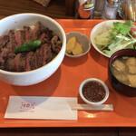レストラン 味蕾亭 - ビーフステーキ丼 大盛り 1,100円