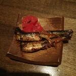 つぼ吉 - 付き出しイワシ、クラゲの梅肉和え