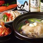 韓のかおり家 - 今話題のタッカンマリ(1羽鶏鍋)さっぱりの白スープか赤スープが選べます。