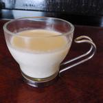 サブローソ - ランチに付属のゴボウの冷たいスープ