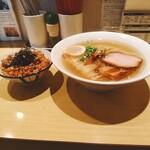 函館塩ラーメン 五稜郭 - ラーメン+いか飯