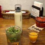 yamamotonohamba-gu - ランチサラダ、ジュース