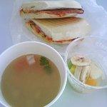 バールカフェ・ヴェルドゥーラ - パニーニ+スープ+デザート