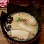 濃厚とんこつ醤油 鶴亀家 - 特製ラーメン 800円