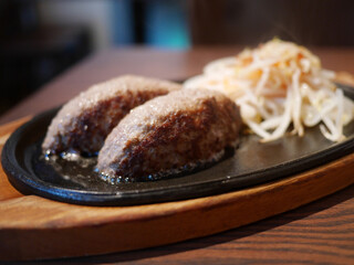Grillマッシュ - 大人の極上ハンバーグ