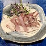 炭と蕎麦と釜めし はら田 - ブリの塩タタキ
