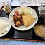 みなと食堂 - 料理写真:アジフライと唐揚げ定食(税込¥750-)