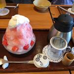 築地本願寺カフェ Tsumugi - 天然水の削り氷~スイカ赤富士とセットの日本茶