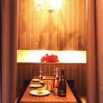Chopstick French Cafe - 女性が喜ばれること間違いなしな内装です!