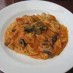 13532554 - 鶏と夏野菜のトマトクリーム・パスタ