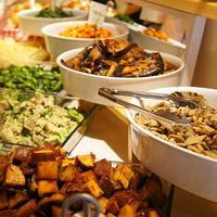 Ricotta Dining - カウンターに並ぶ前菜