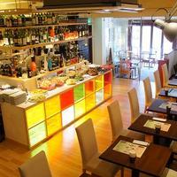 Ricotta Dining - 前菜達が並ぶカウンター