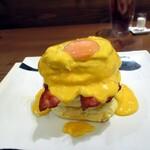 紅鶴 - ベーコンと目玉焼き