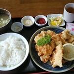 珍々亭 - 料理写真:唐揚げ定食