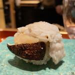 135340396 - 鱧松茸握り(鱧と鱧の魚卵)                       なんて贅沢な握りなんでしょう!                       上富良野町の松茸は4本で6万円したそうです!