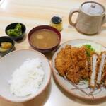 とんかつ とんいち - 料理写真:とんかつ定食(上)