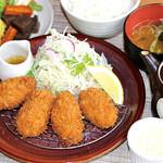 満天食堂 - 料理写真:【期間限定】タルタルと自家製ソースで食べる牡蠣フライ定食