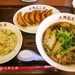 大阪王将 - 王将定食 (醤油ラーメン ・980円)