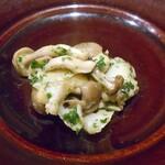 ココペリ - バイ貝のエスカルゴバター焼(取り分けました)