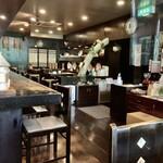 古瀬戸珈琲店 - 神保町界隈らしい落ち着いた雰囲気