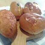 丸十ベーカリー - 買ったパン
