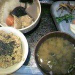 身土不二 - 玄米定食「旨煮」700円