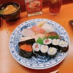 寿し龍 - 上にぎり、(左奥)ハマグリのお味噌汁