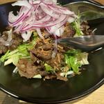 富山総曲輪 肉寿司 - 和牛サラダ