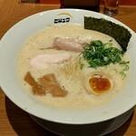 ヒキュウ - 料理写真:鶏白湯魚介濃縮らーめん大盛 税込850円