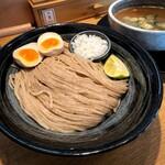 135397181 - 「つけ麺(鶏魚介215g)」+「味付玉子」トッピング
