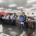 資さんうどん - 盆休暇の店内をパシャ 朝7時20分