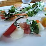 13541770 - 前菜とサラダ(お昼のコース)アップ1