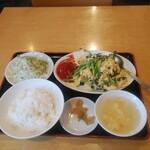 135413696 - ニラ玉定食