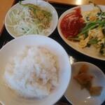 135413700 - ニラ玉定食