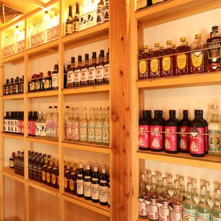 キープ可能な各ボトルは1800円~。