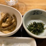 熟かつ亭 - 小鉢とおしんこ