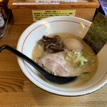 元祖きんかどう - 料理写真:豚骨らーめん 味玉子入り¥850