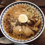 揚次 - 料理写真:中華そば(720円)